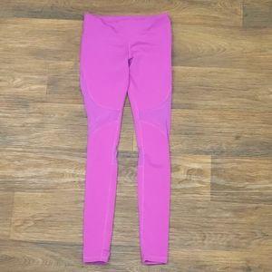 Alo Purple leggings with mesh cutouts sz small